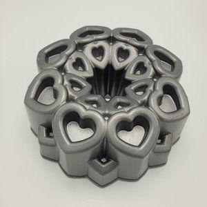 Wilton Ultra Bake Heart Dimensions Bundt Cake Pan